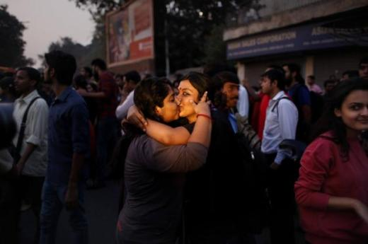 INDIA_KISS_PROTEST_2193499g